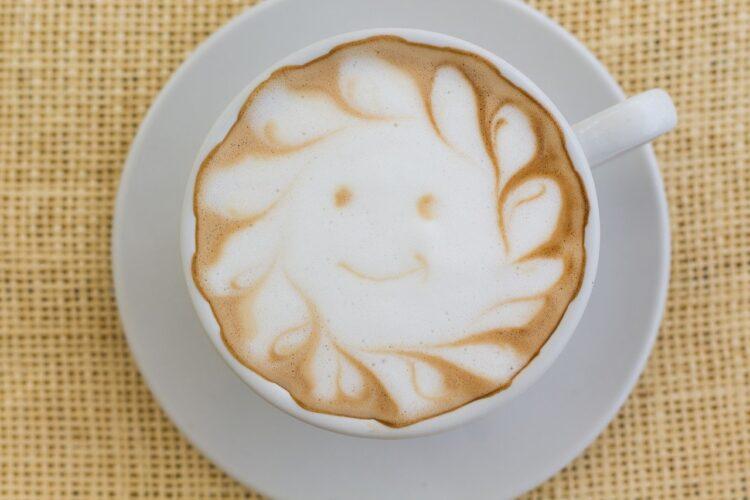 milk in coffee to make it less acidic
