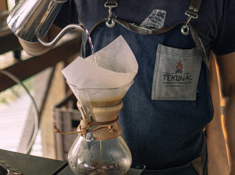 a chemex coffee maker