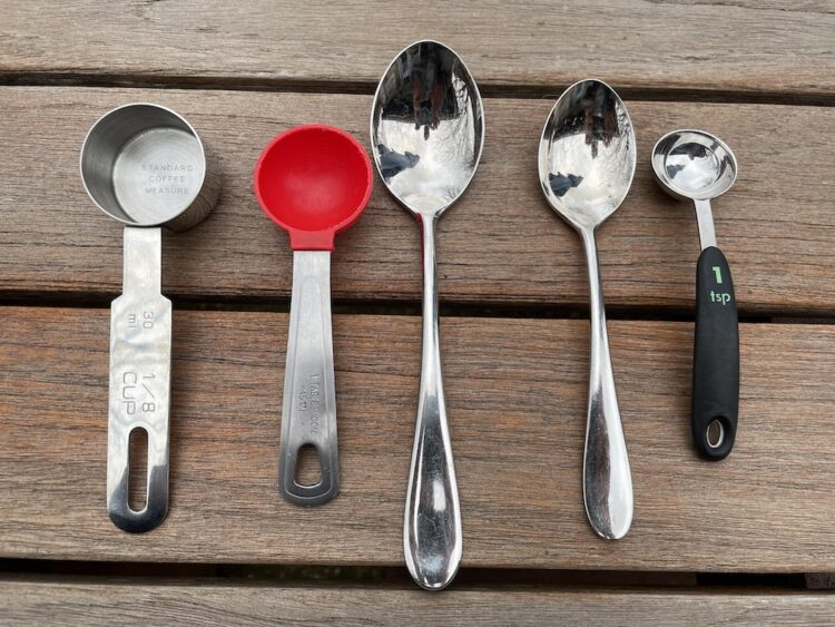 coffee scoop with tablespoon and teaspoon for comparison